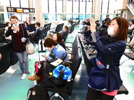 台湾桃園国際空港で記念撮影